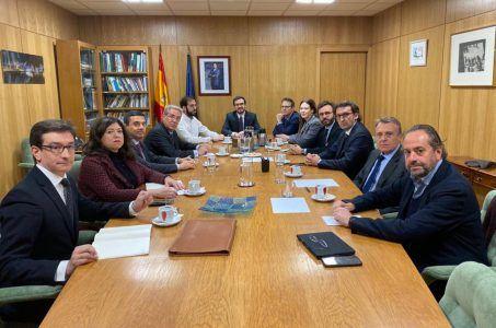 Ministerio de Consumo, Asociación de Medios de Información, Alberto Garzón