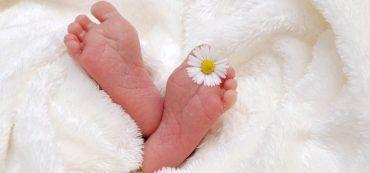 Babyfüße, Blume, Decke
