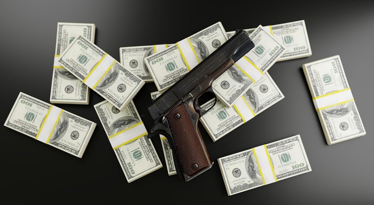 Pistole Geld