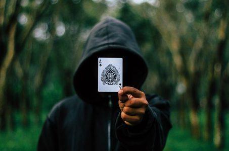 Pokerkarte, Spielkarte, Mann mit Kapuze