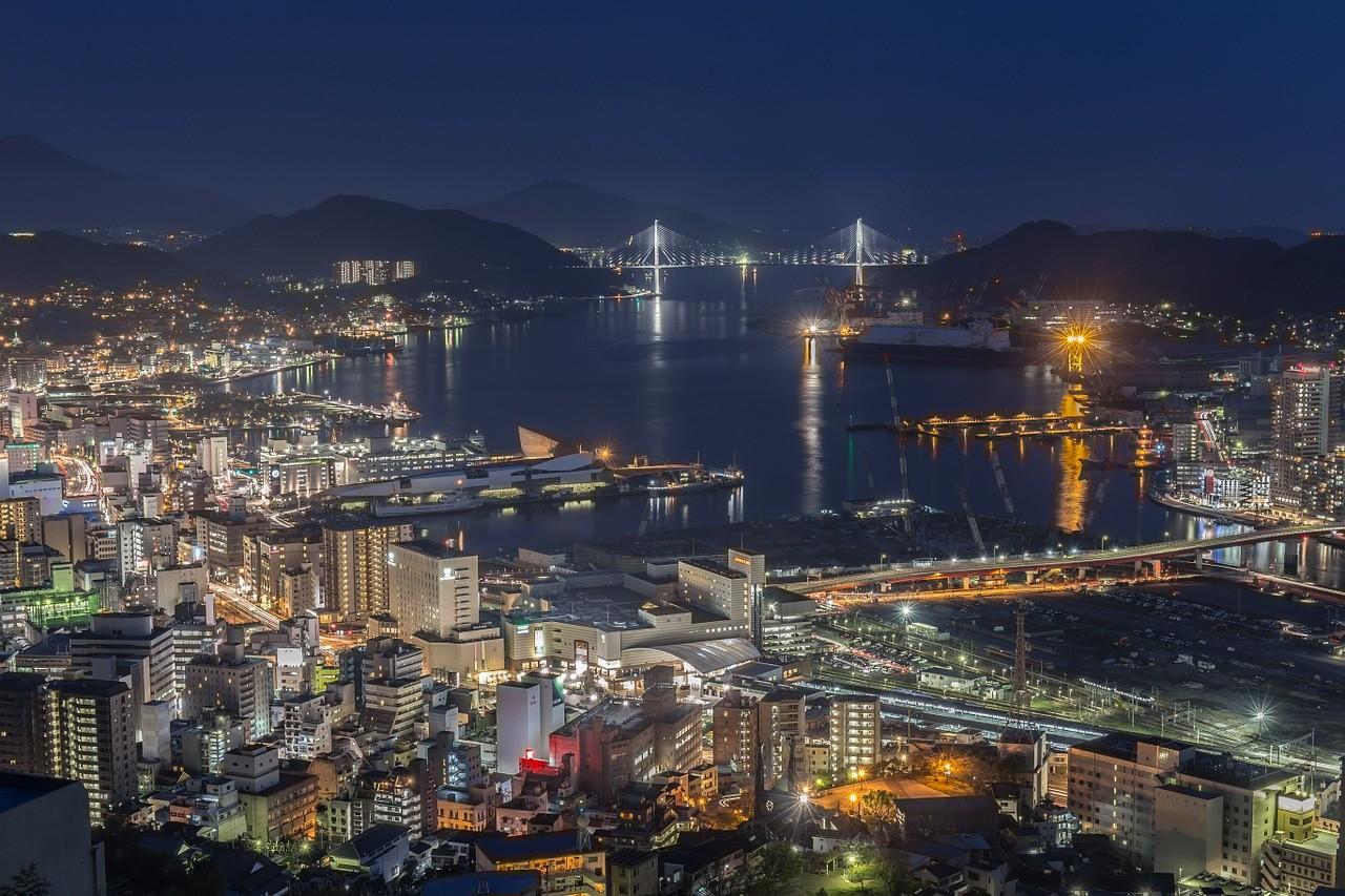 Nagasaki bei Nacht