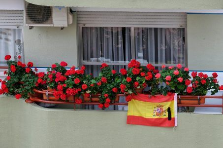 Spanien Fahne, Balkon