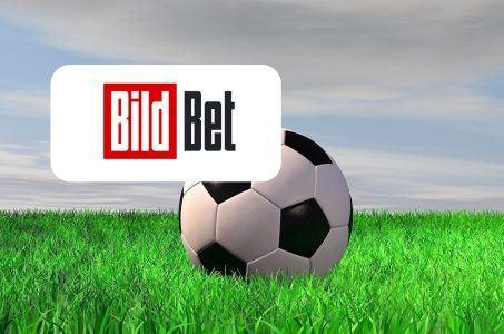 BildBet Logo, Rasen, Himmel, Wolken, Ball