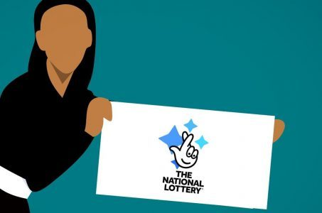 National Lottery Logo, Frau mit Plakat