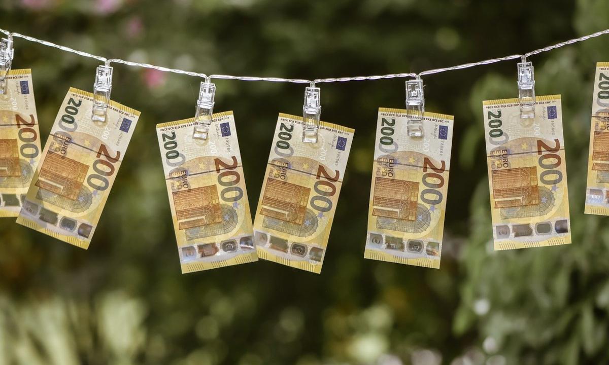 Geldscheine Euro Wäscheleine