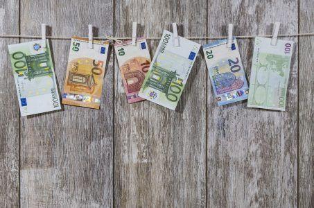 Geldscheine Wäscheleine