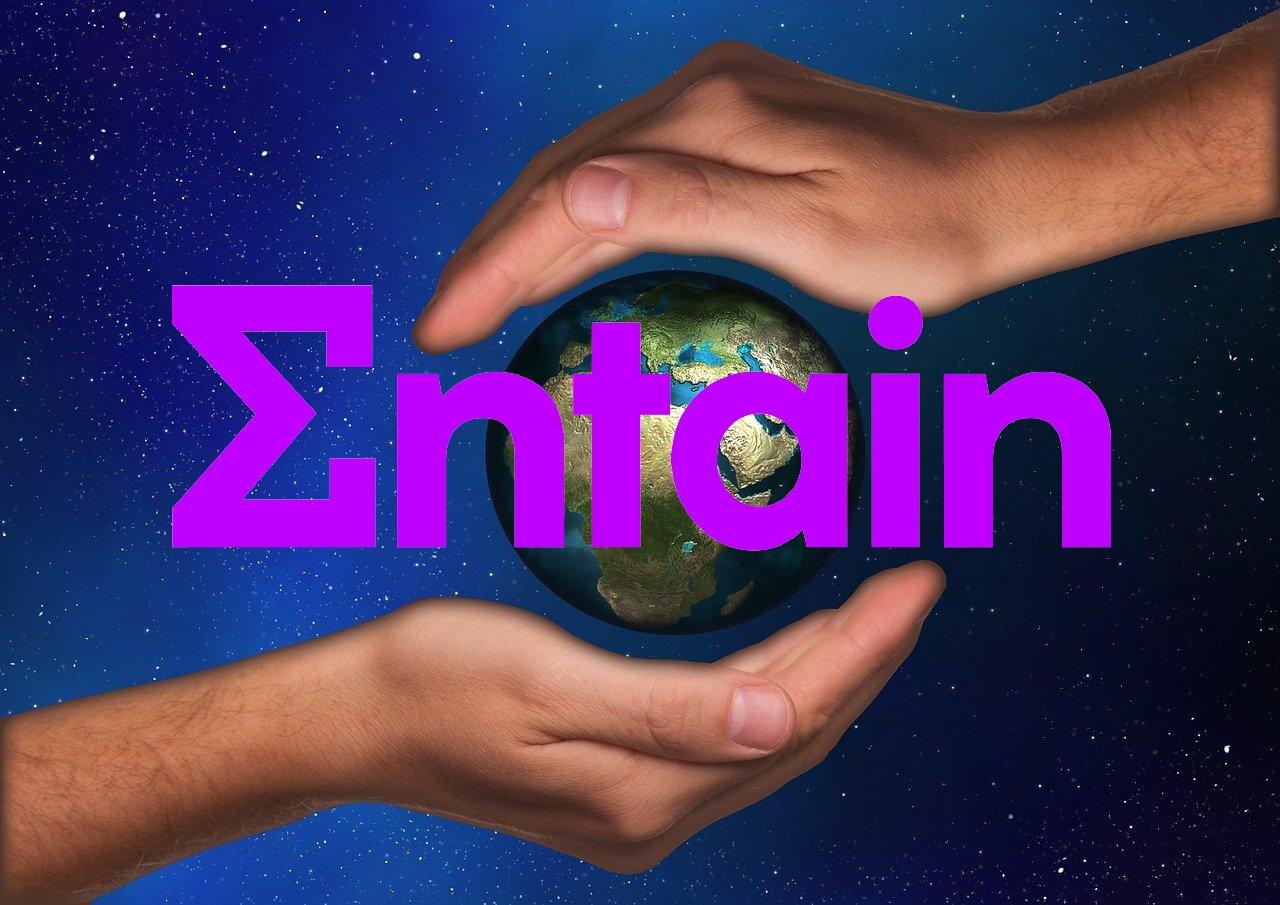 Planet, Hände, Entain-Logo