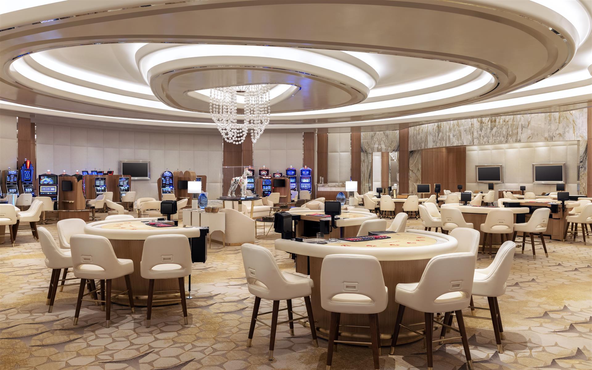 Casino-Bereich, Spieltische, Stühle