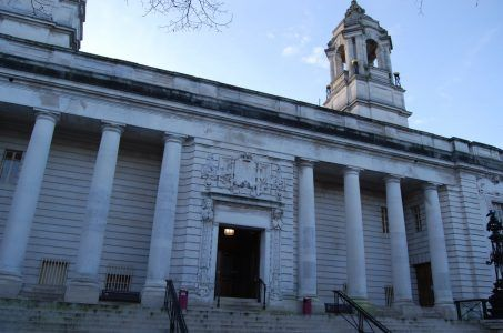Cardiff Gericht