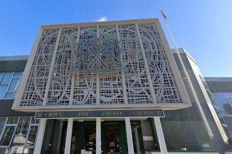 Plymouth Gericht