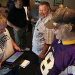 Minnesota Legislature Tours State to Sell E-Gambling Benefits