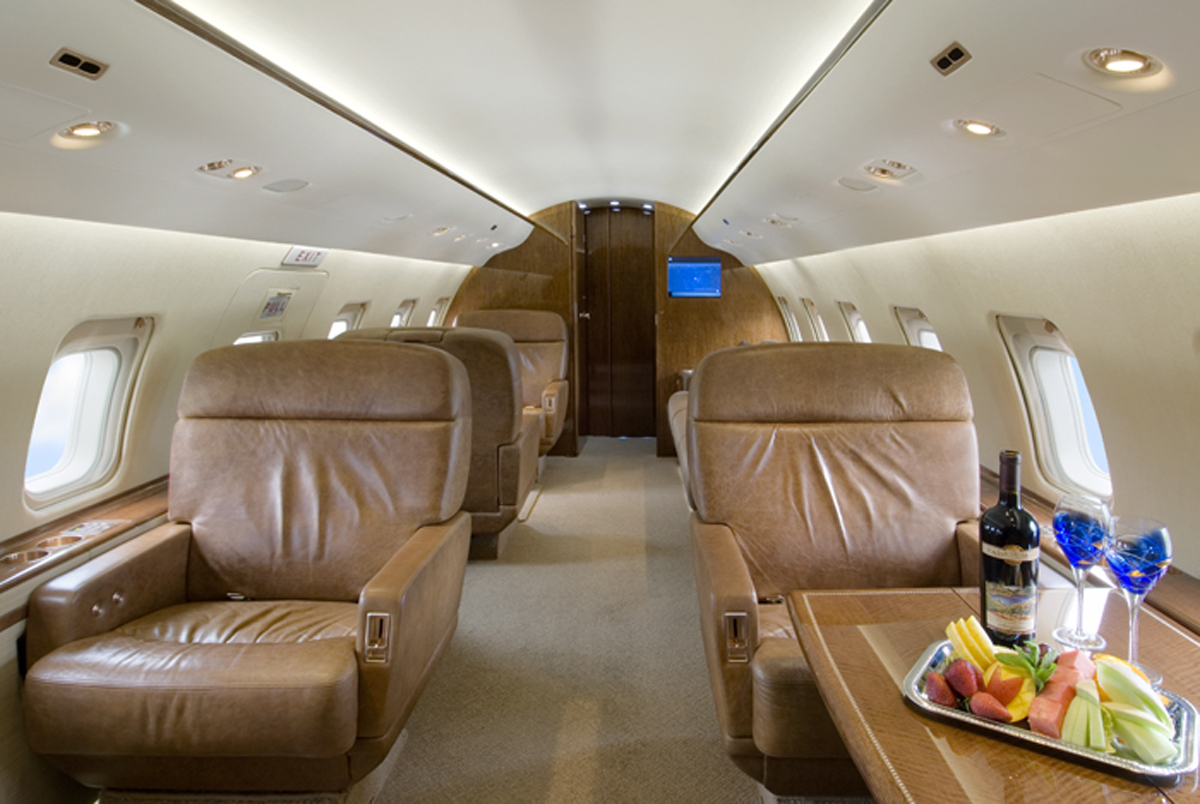 Cash Cash Party In Your Bedroom Las Vegas Whales Land First Class At Private Mccarran Hangars