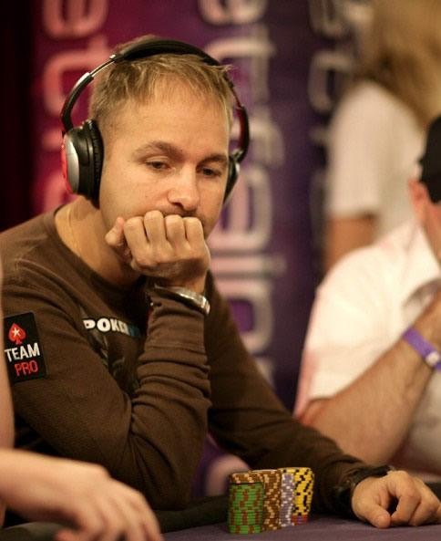 online casino poker gaming