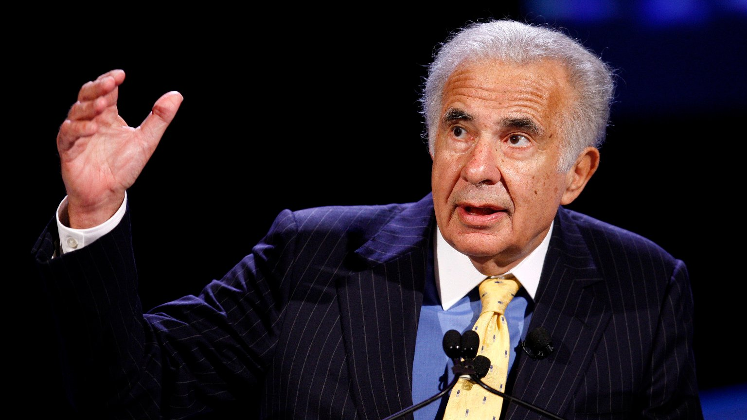 Casino mogul Carl Icahn fights Sweeney