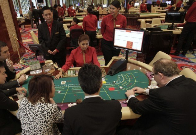 Junket operators Macau debt trouble
