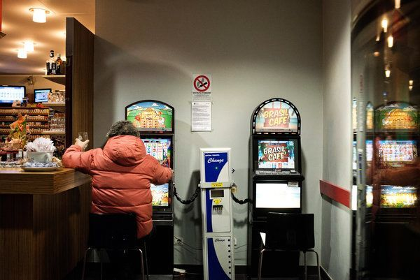 Italy slot machines Mafia