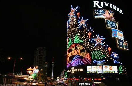 Riviera closing Las Vegas Strip