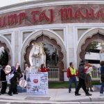 Carl Icahn Awarded Trump Taj Mahal as Battle with Union Continues
