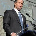Jim Murren Considering Taking MGM Off the Grid in Nevada