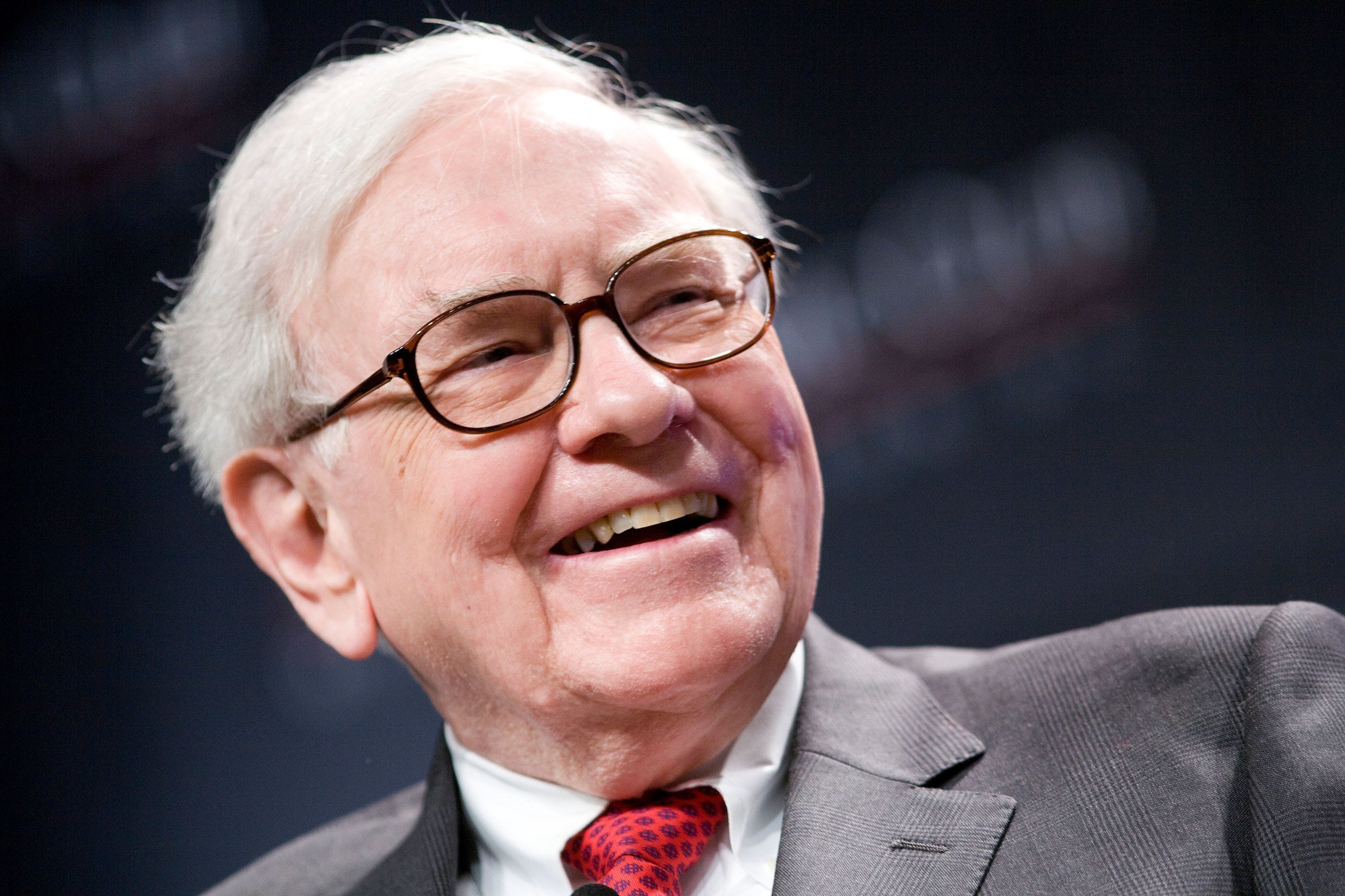 Warren Buffett NV Energy Las Vegas casinos power struggle