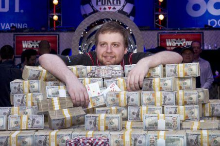 Joe McKeehen 2015 WSOP Main Event champion
