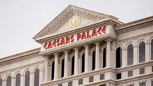 caesars bankruptcy judge cuts casino giant some slack