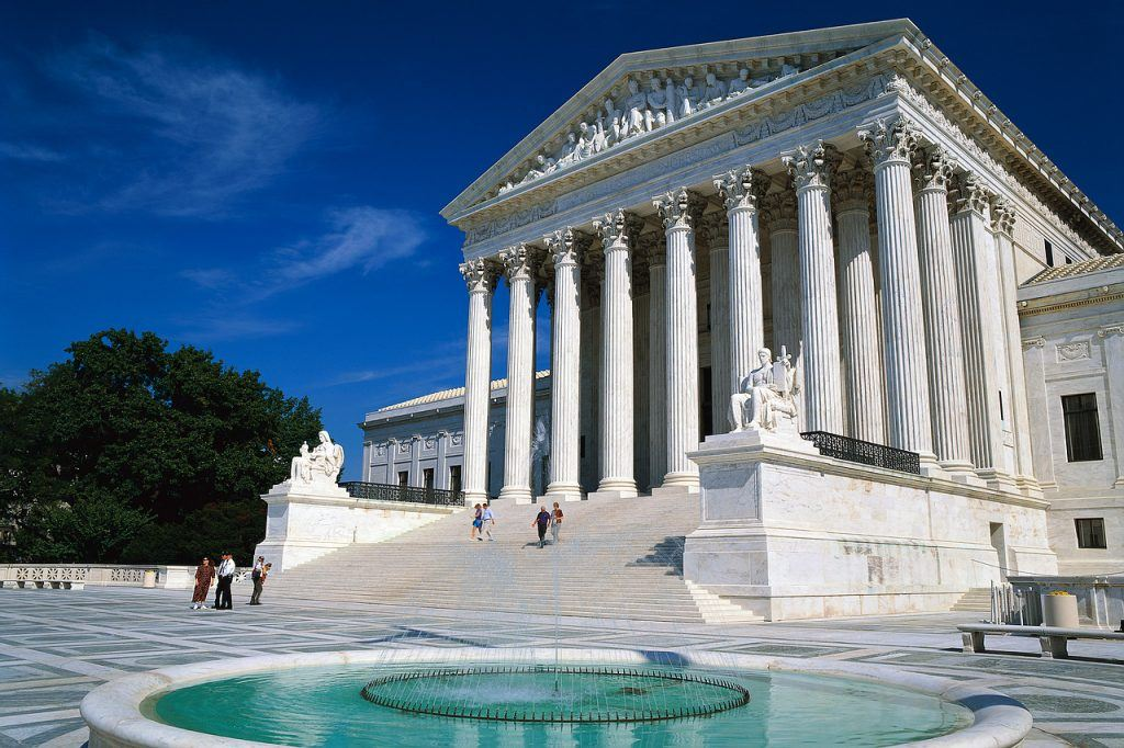 The US Supreme Court has declined to rule on whether the National Labor Relations Act has authority over Indian casinos' employees and practices. The tribes say that much confusion continues to surround this issue. (Image: hubpages.com)