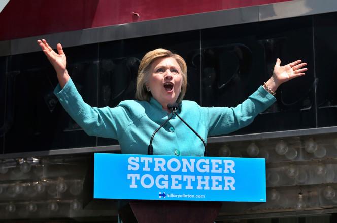 Clinton Disses Trump in Atlantic City