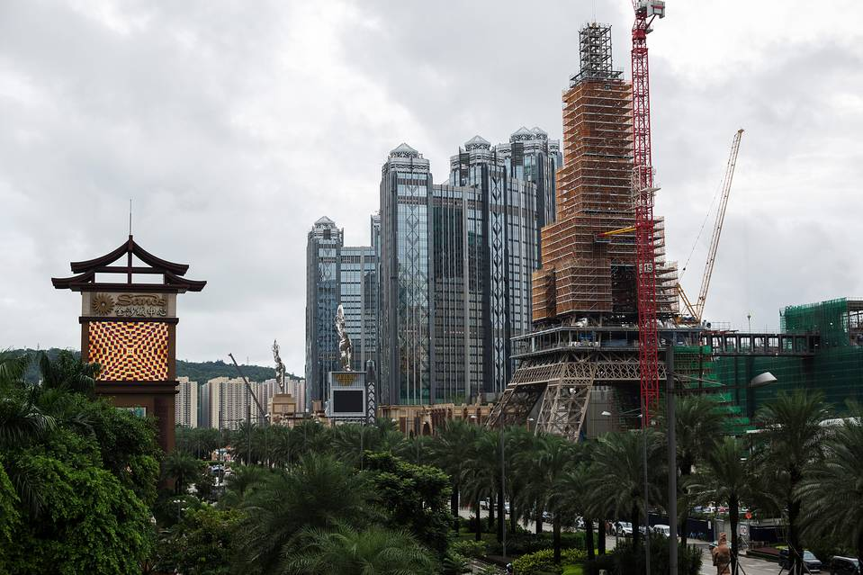 Macau casino revenue Sands The Parisian