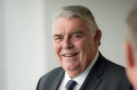 William Hill takeover 888 Rank Gareth Davis