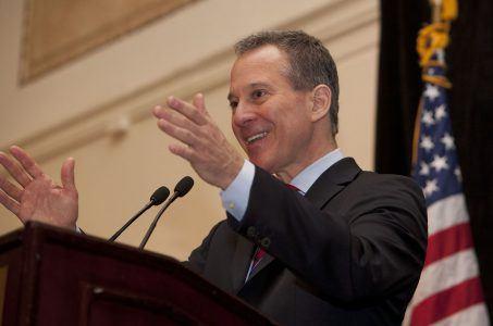 New York AG Eric Schneiderman DraftKings FanDuel