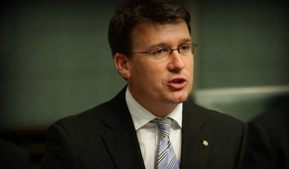 Alan Tudge introduces Australian online gambling bill amendment