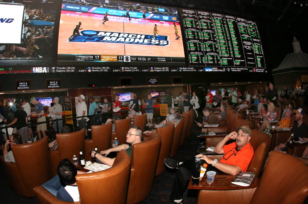 vegas odds march madness first round sportsbook squares