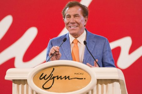 Wynn Macau earnings pay increase
