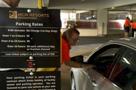 Caesars parking MGM Las Vegas
