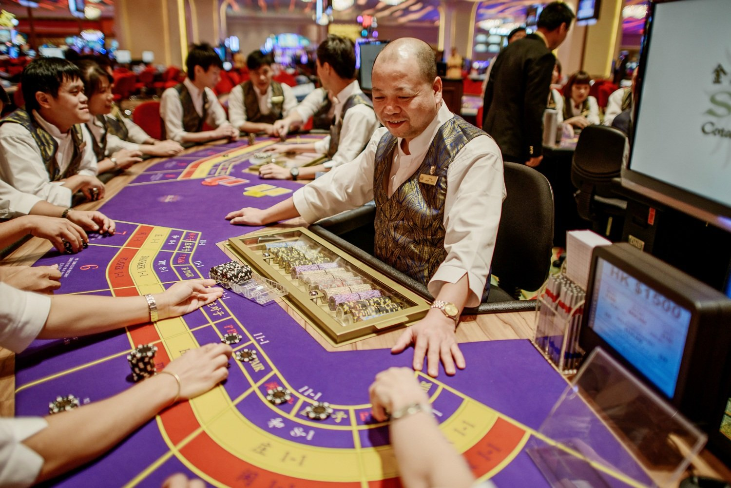 Macau casino revenue China gambling