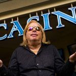 """Gambler Loses $100,000 Jackpot to Woman He Asked to Hit the Button """"For Luck"""""""