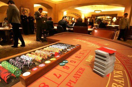 Macau gaming revenue April