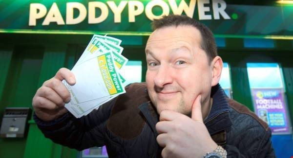 Ken Robertson to leave Paddy Power