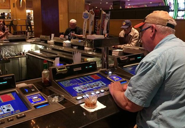 Can you drink for free while gambling in vegas red rock casino deals