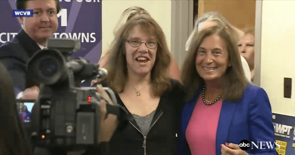 $758.7 Million Powerball winner Mavis Wanczyk