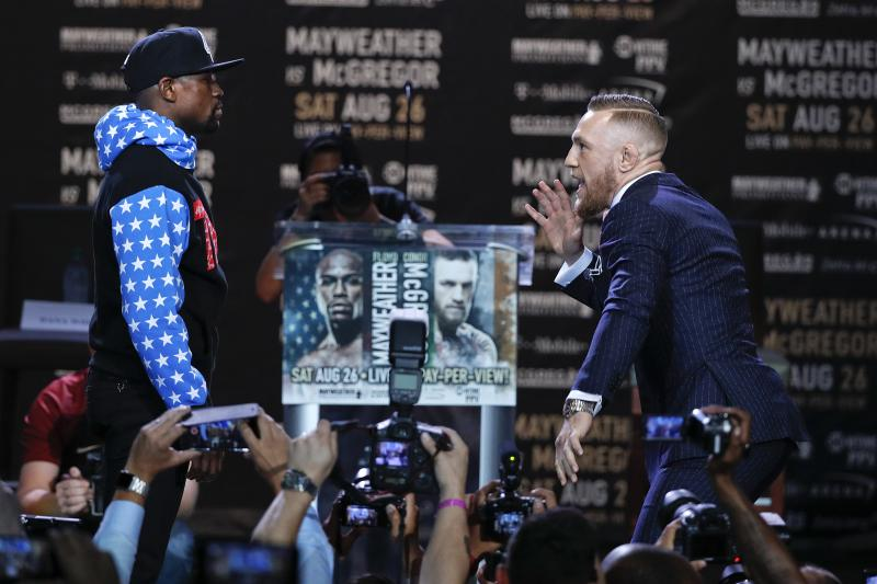 Former NBA Owners Bet $880K On Floyd Mayweather To Win $160K