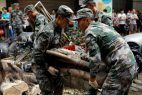 Army helps with Macau cleanup