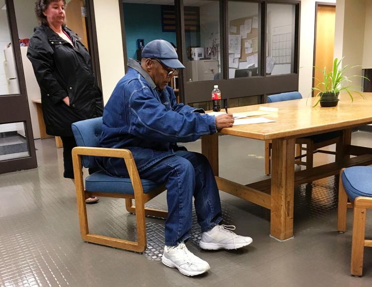 OJ Simpson released from Lovelock