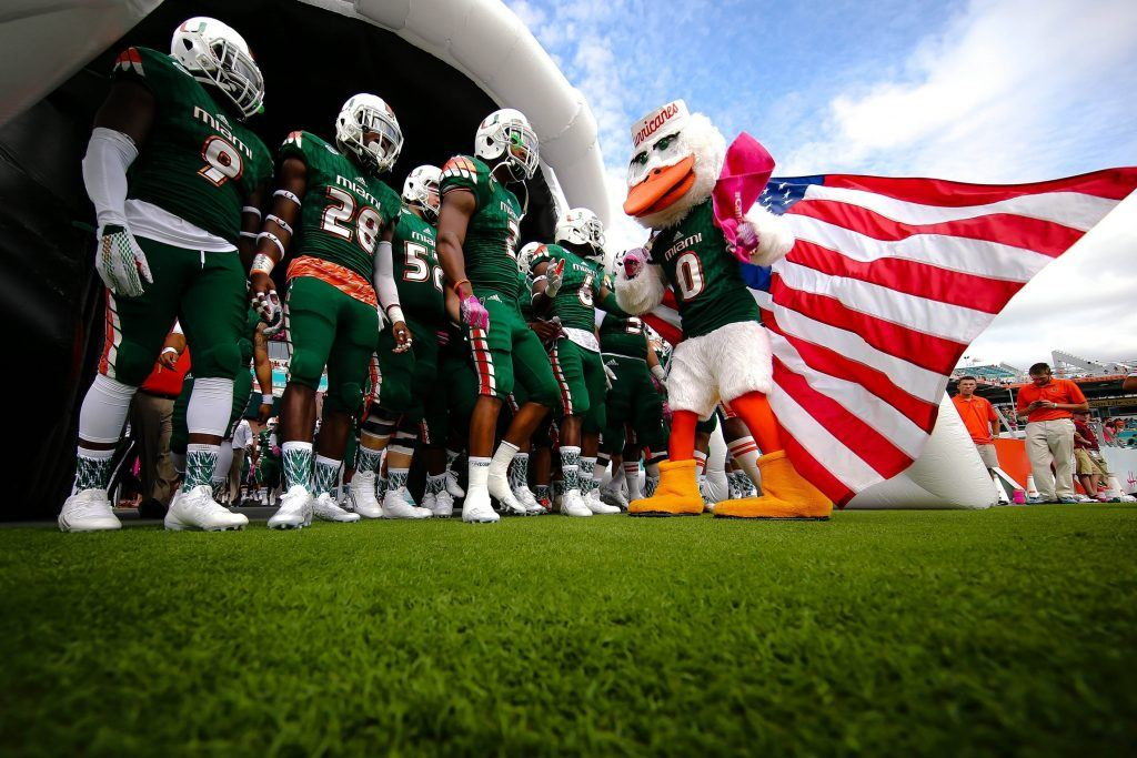 Thanksgiving Football Games >> College Football Friday Showcases 15 Games for Fans