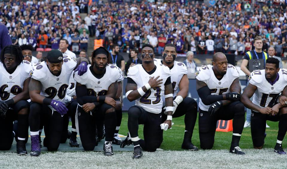 Football players take a knee in protest 2017
