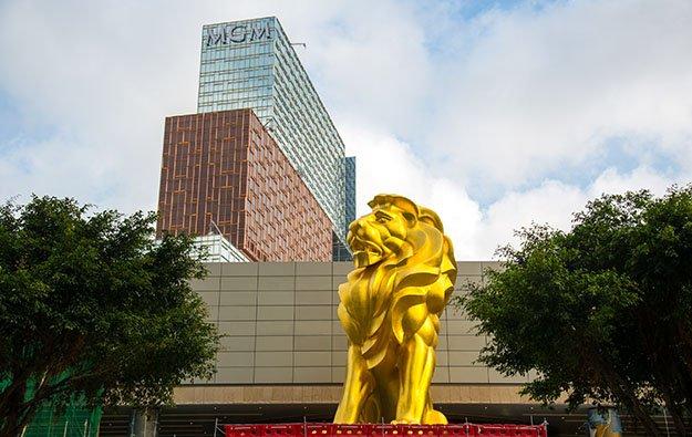 Macau casinos revenue MGM Cotai