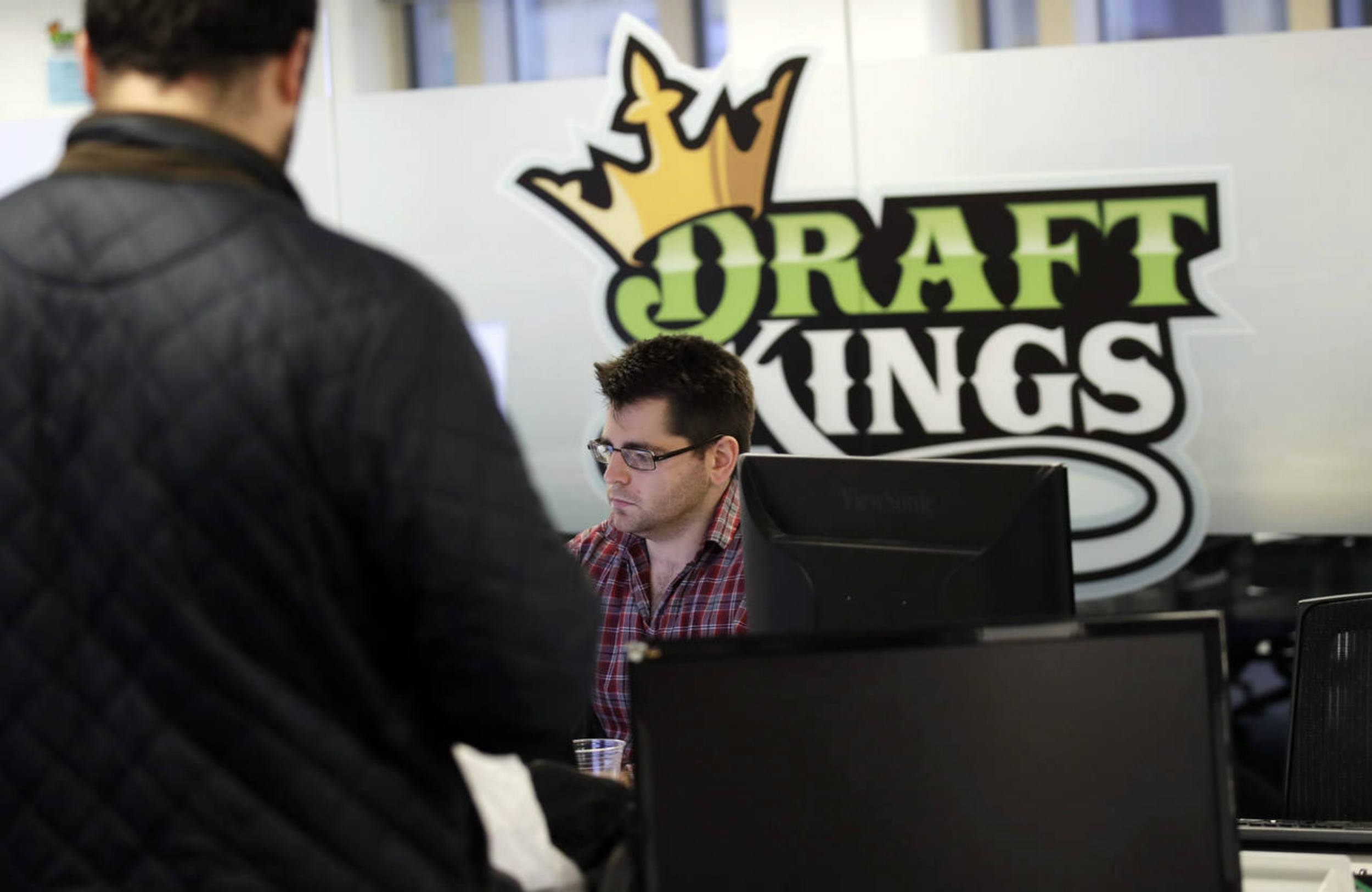 DraftKings FanDuel sports betting