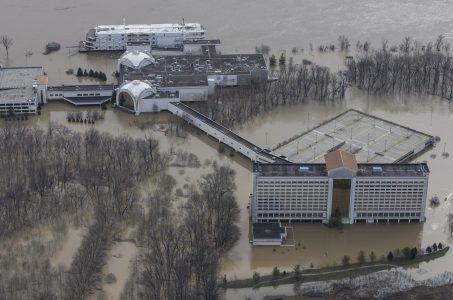 Horseshoe Southern Indiana closed due to flooding