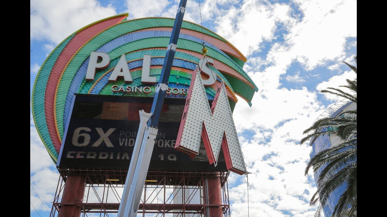 Palms marquee sign comes down